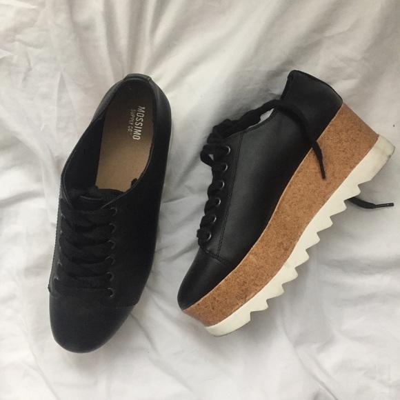 Platform wedges sneakers 💫. M 5a60fd8f2ab8c5177056222d